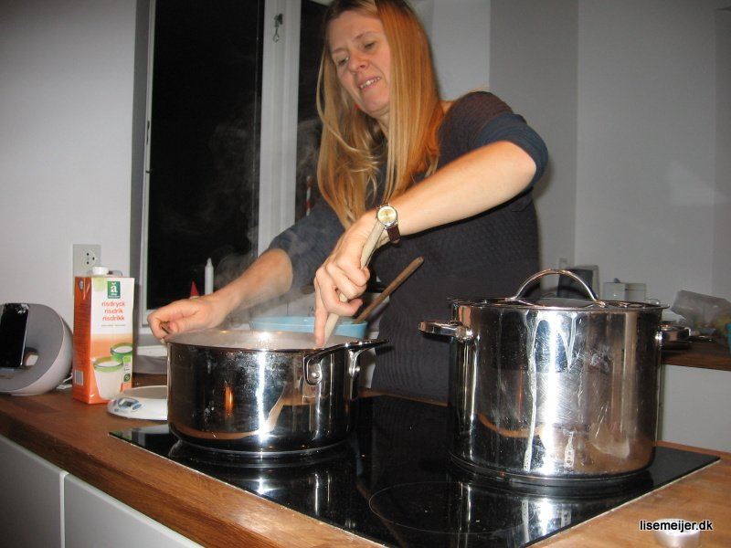 Vincent caught me cooking the Risengrød! Oh how I enjoy finally easing into our new home, kitchen, filling every corner with simple activity that says: HOME. So happy we are not ill any longer (we had 7 weeks of it. 7!!!)